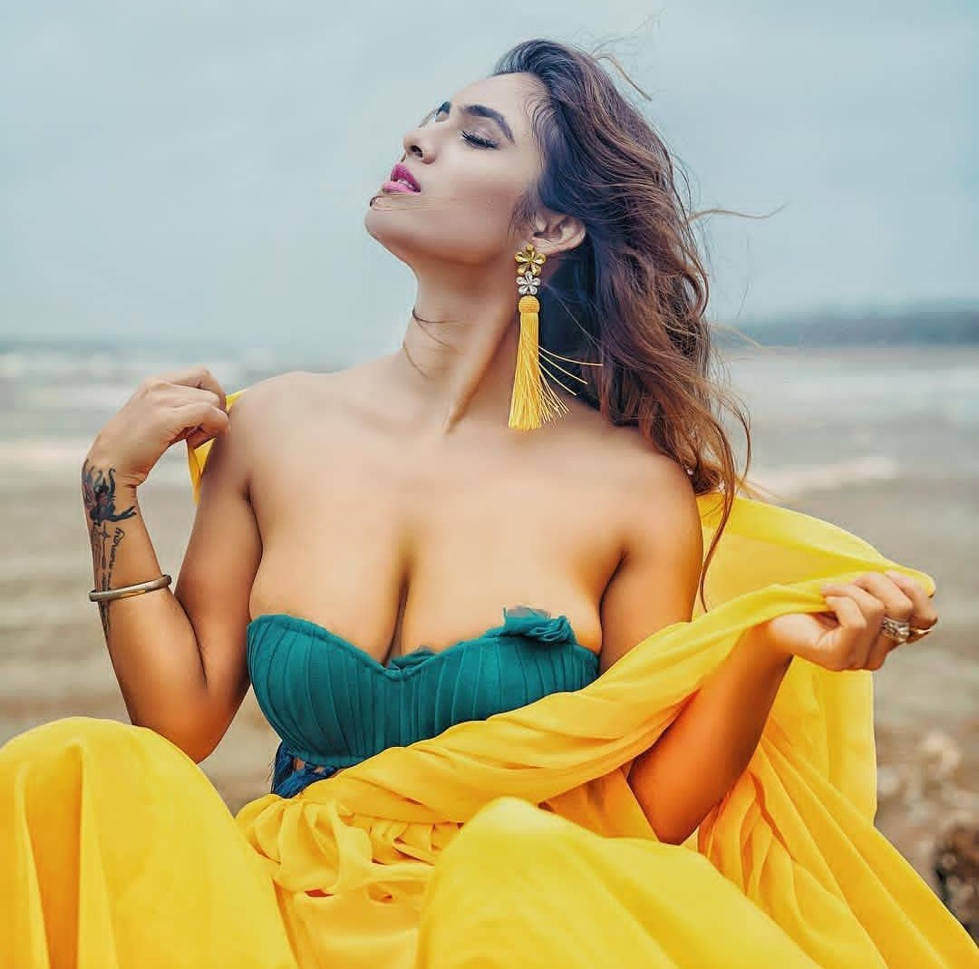How To Hire call girls in mohali